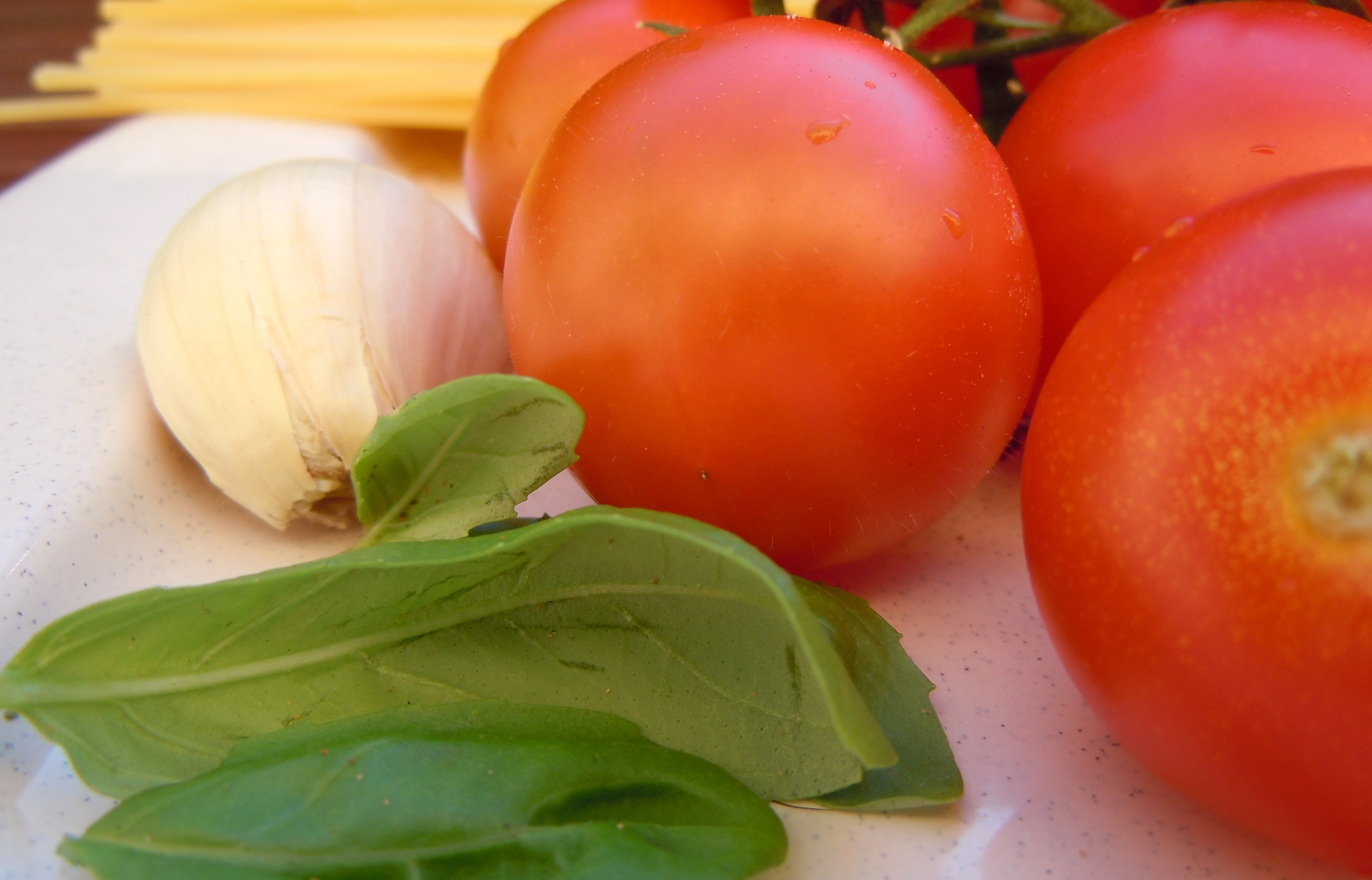 spaghetti al pomodoro fresco ingredienti
